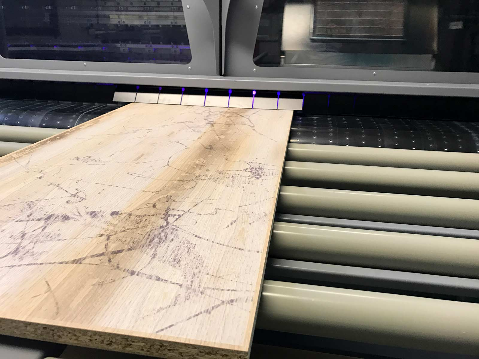 UV tiskalnik Durst tisk na iverne plošče